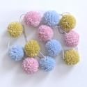 Pompom girland gyapjúfonalból, füzér pasztell rózsaszín, kék, zöld színekben, 12 db pompom, Baba-mama-gyerek, Dekoráció, Gyerekszoba, Mobildísz, függődísz, Ehhez a pompom girlandhoz nagyon finom, puha, tömött pompomokat készítettem 100% gyapjú fonalból, ma..., Meska