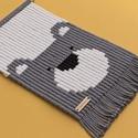 MACI - makramé fali szőnyeg / állatos gyerekszoba dekoráció, Baba-mama-gyerek, Gyerekszoba, Falvédő, takaró, Baba falikép, MACI - makramé fali szőnyeg -----------------------------------  Kedves és trendi fali dekoráció, me..., Meska