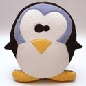 Pingvin, Gyerek & játék, Gyerekszoba, Játék, Plüssállat, rongyjáték, Játékfigura, Falvédő, takaró, Patchwork, foltvarrás, Varrás, Pingvin formájú párna, melyet bolyhosodásmentes micropolárból, applikációs technikával készítettem...., Meska