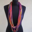 Színes textil nyaklánc, Akár leengedve, akár megcsavarva, nyakláncként...