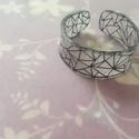Zsugorka nagyméretű gyűrű, Ékszer, Gyűrű, Zsugorka fólia hajlításával készült egyedi gyűrű. Nagyobb méretre ajánlom. :), Meska