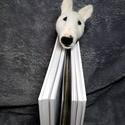 Bullterrier tűnemezelt könyvjelző, Férfiaknak, Naptár, képeslap, album, Könyvjelző, Egy igazán egyedi és különleges ajándék lehet egy bullterrier kutyus gazdájának. Tűnemezelt techniká..., Meska