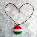 Nemzeti színű tűnemezelt nyaklánc, Ékszer, Nyaklánc, Ezt a nemzeti színű nyakláncot minden magyar ünnepnapon felveheted, vagy bármikor amikor kedvet érze..., Meska