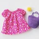 Pink  babaruha horgolt táskával, Játék, Baba-mama-gyerek, Baba, babaház, Plüssállat, rongyjáték, Finom, minőségi  Liberty of London pamutvászonból készítettem ezt a babaruhát. Hossza 18 cm, hátul p..., Meska