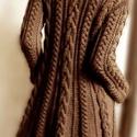 AKCIÓ! Csokoládé barna színű kézi kötésű gyapjú kardigán, Ruha, divat, cipő, Baba-mama-gyerek, Női ruha, Kabát, Kötés, Barna színű puha gyapjú fonalból készült karcsúsított fazonú kardigán. Az első kép alapján kötöttem..., Meska