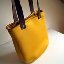 Nagyon sárga táska, Táska, Varrás, Nagyon régóta szeretnék egy igazán sárga táskát, nekem ez jelenti a nyár színét. Sokáig kérdéses vo..., Meska