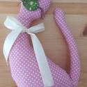 Pink cica, Játék, Plüssállat, rongyjáték, Varrás, Textilből készűlt cica, kicsik számára. 24 cm hosszú, Meska