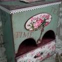 dédi rózsás szekrénykéje, Nagy szeretettel készítettem ezt a faliszekrény...