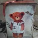 mackók - nosztalgia doboz , alapanyaga: fa  mérete: 15 cm . x 15 cm. x 25 cm....