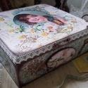 """kislány margarétákkal - nosztalgia doboz, Alapanyaga, fa. Mérete: 20 x 20 x 7 cm.  """"Én nem..."""