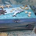 delfin és a tenger - tengerész doboz, Otthon, lakberendezés, Baba-mama-gyerek, Tárolóeszköz, Doboz,   A doboz alapanyaga fa, tartóssága érdekében több soron lakkozott. Mérete: 21 cm. x 16 cm. x 9 cm. ..., Meska