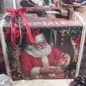 Mikulásos bőrönd , Baba-mama-gyerek, Dekoráció, Karácsonyi, adventi apróságok, Otthon, lakberendezés, Ünnepi dekoráció, Karácsonyi dekoráció, Alapanyaga: fa, Mérete: 40 cm. x 17 cm. x 10 cm., Meska