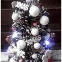 világítós tobozfenyő, Dekoráció, Karácsonyi, adventi apróságok, Otthon, lakberendezés, Ünnepi dekoráció, Karácsonyi dekoráció, Asztaldísz, Nagy szeretettel készítettem, ezt a tobozkarácsonyfát, melynek világítását 2 db. gombelemmel működő ..., Meska
