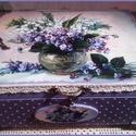 lila ibolyák - doboz, A doboz mérete: 20 cm. x 16 cm. x 9 cm.   Alapany...