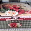 pipacsos nosztalgia doboz, Otthon, lakberendezés, Tárolóeszköz, Doboz, A doboz mérete: 20 cm x 16 cm. x 9 cm. Alapanyaga: fa  Több soron lakkozott, nedves ruhával portalan..., Meska