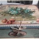nagyi virágos doboza, Dekoráció, Otthon, lakberendezés, Tárolóeszköz, Doboz, A doboz mérete: 20 cm. x 16 cm. x 9 cm. Alapanyaga fa, több soron lakkozott. Stencillel, transzferre..., Meska