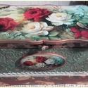 rózsás ékszeres doboz, Dekoráció, Otthon, lakberendezés, Tárolóeszköz, Doboz, Alapanyaga: fa, Mérete: 21 x 12 x 13 cm.  A dobozt fémdísszel, füstfóliával, gyönggyel, fadíszekkel ..., Meska