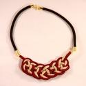 Csomózott nyaklánc - bordó, bézs, Ékszer, óra, Nyaklánc, Csomózás, Bordó és bézs szín tökéletes harmóniája ihlette ezt a nyakláncot:) Kézzel készített egyedi paracord..., Meska