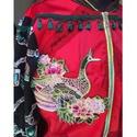 Pávás szatén blézer, Ruha, divat, cipő, Női ruha, Kabát, Alapanyaga piros stretch szatén csipkebetétekkel, hímzett pávás rátéttel és két felvarróva..., Meska