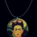 Nyaklánc - Transzfer technikával készült fa medál - Frida Kahlo, Ékszer, Esküvő, Medál, Nyaklánc, Transzfer technikával készült fa medál - ütés- és vízálló lakkal kezelve. A medálhoz válaszd ki a ho..., Meska