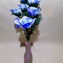 Pyxis 05, Művészet, Más művészeti ág, Mindenmás, Virágkötés, Pyxis 05  Ez a csokor 6 szál rózsát tartalmaz melyek harisnyából és drótból készültek. Egyedi üveg ..., Meska
