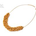 Fa-gyöngy fonott nyaklánc, Ékszer, Nyaklánc, Fa-gyöngyből készült fonott mintájú nyaklánc, mely arany színű lánccal végződik, delfink..., Meska