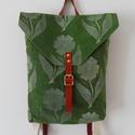 Zöld, egyedi nyomott mintás waxolt vászon hátizsák bőr pántokkal