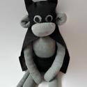 Batmaki, Játék, Játékfigura, Plüssállat, rongyjáték, Baba, babaház, Varrás, Baba-és bábkészítés, Batmaki Zokniból készült szuperhős majom.  Bátorságommal felvértezve, együtt megmentjük a világot a..., Meska