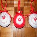 Húsvéti tojások filcből, Dekoráció, Ünnepi dekoráció, Húsvéti apróságok, Varrás, Hímzés, Filcből varrtam, keresztszemes hímzéssel díszítettem ezeket a  tojásokat. Vatelinnel béleltem, mére..., Meska