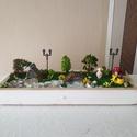 Fairy tale mini garden, Az egész egy 34 cm fa alapon van.  2 féle moha k...