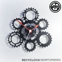 recyclock CAS-116 - falióra újrahasznosított kerékpár alkatrészből, Otthon, lakberendezés, Ékszer, óra, Falióra, Újrahasznosított alapanyagból készült termékek, Ötvös, Egyedi, kerékpár alkatrészekből készített falióra.  A CAS sorozat órái a kerékpárok hátsó sorából, ..., Meska