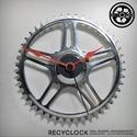 recyclock CWS-002 - falióra újrahasznosított kerékpár alkatrészből, Otthon, lakberendezés, Ékszer, óra, Falióra, Újrahasznosított alapanyagból készült termékek, Ötvös, Egyedi, kerékpár alkatrészekből készített falióra.  A CWS sorozat órái elsősorban a kerékpárok lánc..., Meska