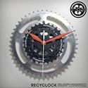 recyclock CWS-004 - falióra újrahasznosított kerékpár alkatrészből, Otthon, lakberendezés, Ékszer, óra, Falióra, Újrahasznosított alapanyagból készült termékek, Ötvös, Egyedi, kerékpár alkatrészekből készített falióra.  A CWS sorozat órái elsősorban a kerékpárok lánc..., Meska