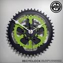recyclock CWB-001 - falióra újrahasznosított kerékpár alkatrészből, Otthon, lakberendezés, Ékszer, óra, Falióra, Újrahasznosított alapanyagból készült termékek, Ötvös, Egyedi, kerékpár alkatrészekből készített falióra.  A CWC sorozat órái elsősorban a kerékpárok lánc..., Meska