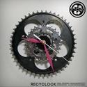 recyclock CWB-002 - falióra újrahasznosított kerékpár alkatrészből, Otthon, lakberendezés, Ékszer, óra, Falióra, Újrahasznosított alapanyagból készült termékek, Ötvös, Egyedi, kerékpár alkatrészekből készített falióra.  A CWC sorozat órái elsősorban a kerékpárok lánc..., Meska