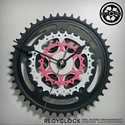 recyclock CWB-005 - falióra újrahasznosított kerékpár alkatrészből, Otthon, lakberendezés, Ékszer, óra, Falióra, Újrahasznosított alapanyagból készült termékek, Ötvös, Egyedi, kerékpár alkatrészekből készített falióra.  A CWC sorozat órái elsősorban a kerékpárok lánc..., Meska
