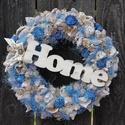 Egyedi ajtódísz kék-fehér színekkel. :-), Dekoráció, Otthon, lakberendezés, Ajtódísz, kopogtató, Virágkötés, Letisztult kopogtató készült. :-) A szalma alapot vastag vászonnal vontam be, hamvas száraz termése..., Meska
