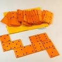 Dominó fából, Baba-mama-gyerek, Játék, Fajáték, Társasjáték, Festett tárgyak, Fából készített 28 darabos dominó játék. A dominók 5*10 cm-es fa lapocskákból készültek.  A játékho..., Meska