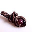 Gránát vörösréz nyaklánc/ medál, Ékszer, Medál, Nyaklánc, Egyedi, egyetlen példányban készült romantikus ékszer, az apróbb medálok kedvelőinek. 7 mm-es barnás..., Meska