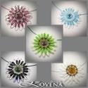 Margaréta medál , Ékszer, óra, Nyaklánc, Medál, Margaréta virágot mintázó medál készült sziromgyöngyök és egyéb minőségi cseh ill. japán gyöngyökből..., Meska