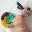 Csiga csörgő, Játék, Baba-mama-gyerek, Játékfigura, Baba játék, Horgolt babajáték, aminek a fejében elhelyeztem egy csörgőt. Így elég érdekes a babának, de nem zava..., Meska