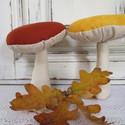 Gombák, Baba-mama-gyerek, Dekoráció, Otthon, lakberendezés, Dísz, Varrás, Sárga és barna kalapú gombákat készítettem. kedves dísze lehet otthonodnak. :) Méret:9x13 cm., Meska