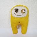 Sárga szörnyecske, Baba-mama-gyerek, Dekoráció, Játék, Szeretnivaló szörnyecskét készítettem,mínőségi pamutvászonból. :) Méret:16x10 cm., Meska