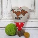 AKCIÓ!!! Dekorációs szív, Dekoráció, Ünnepi dekoráció, Karácsonyi, adventi apróságok, Vidám rénszarvas mintás dekorációs szív. Méret:14 cm , Meska