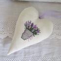 Levendulás dekorációs szív, Dekoráció, Esküvő, Esküvői dekoráció, Levendulás dekorációs szív keresztszemes hímzéssel. Levendulával és vatelinnel töltve. Méret:15 cm...., Meska