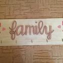 string art fényképes családi faldekor, Dekoráció, Otthon, lakberendezés, Dísz, Kép, Mindenmás, String art (fonalgrafika) technológiával készítettem ezt a fényképes, FAMILY feliratos szivecskés l..., Meska