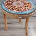 Mandalás asztalka, Otthon & Lakás, Bútor, Asztal, Festészet, A fa asztallap felületére akril festékkel festettem a mandalát, majd magas kopásállóságú műgyanta r..., Meska