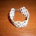 Hajócsipke karkötő, Ékszer, Esküvő, Karkötő, Esküvői ékszer, Fehér vékony pamutcérnából készítettem ezt a karkötőt. Hossza kapoccsal 17,5cm, legnagyobb szélesség..., Meska
