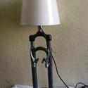 Kerékpár teleszkóp asztali lámpa,álló lámpa, Férfiaknak, Otthon, lakberendezés, Bringás kiegészítők, Lámpa, Fémmegmunkálás, Lámpák száma: 1 db Foglalat típusa: E14 Állapot: új   Kerékpár teleszkóp asztali lámpa,álló lámpa  ..., Meska
