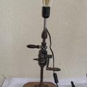 Amerikáner asztali lámpa, Otthon, lakberendezés, Férfiaknak, Lámpa, Asztali lámpa, Lámpák száma: 1 db  Foglalat típusa:Edison  E14  Izzó típusa: Edison hagyományos  Állapot: új    Ame..., Meska